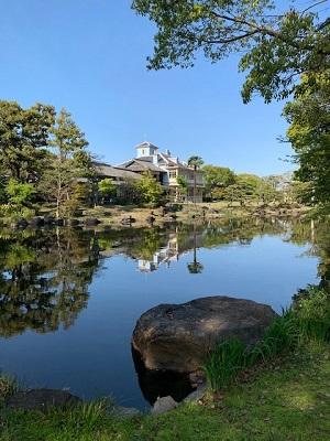 池泉回遊式庭園.jpg